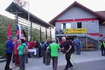 Obsijana Jablaniška dolina privabila skoraj 1000 pohodnikov