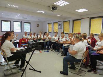 Ženski pevski zbor Laz zopet prepeva