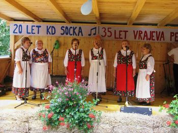 KD Socka in Vrajeva peč sta praznovali na prireditvi Socka poje, pleše in igra