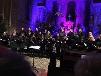 Koroški akademski pevski zbor Mohorjan in Uroš Jurgec na Božičnem Vojniku