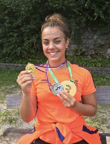 Aktualna državna prvakinja v plavanju na 1500 m