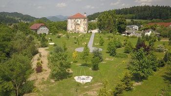 Nova preobleka grajskega parka dvorca Tabor
