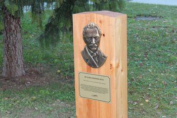 Foto galerija: V Vojniku spomenik dr. Karlu Frideriku Hennu