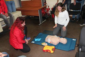 Usposabljanje za uporabo defibrilatorja