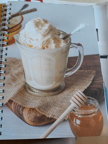 Mlečni sladoled z medom