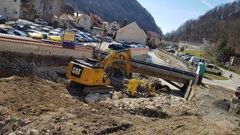 Na Občini Tržič se dogaja: Občinski svetniki soglasno potrdili zaključni račun proračuna za leto 2018, za Mošenikom se nadaljujejo dela za večjo poplavno varnost, v programu 10. festivala Odprte hiše Slovenije tudi Glamping Gozdna pravljica