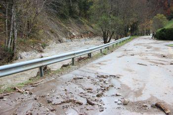 Na širšem območju naravnega spomenika Dovžanova soteska (Slap – Jelendol) bodo do sredine novembra 2019 potekala sanacijska dela.
