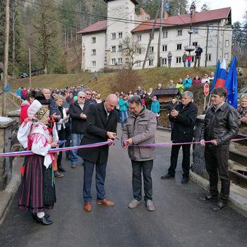 V Jelendolu vaški praznik ob odprtju prenovljene ceste in novih mostovih – Ujma nas je še bolj povezala