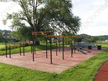 Zbiranje na športnih in otroških igriščih je prepovedano