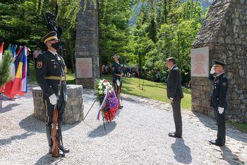 Spominska slovesnost ob 76 obletnici osvoboditve koncentracijskega taborišča pod Ljubeljem