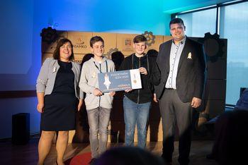 Mladi podjetniki iz Tržiča prejeli nagradi v Postojni