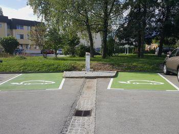 Predstavitev polnjenja e-vozil s praktičnim prikazom polnjenja