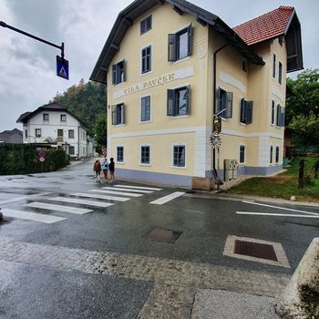 Izboljšana varnost na prehodu za pešce