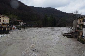 Obsežne poplave rek