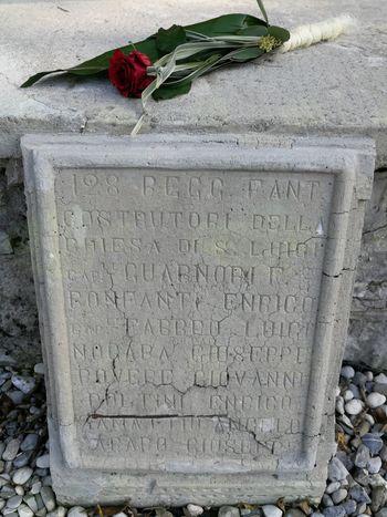 Spomin na mrtve ohranimo ne glede na količino prižganih sveč
