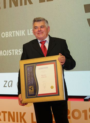 Priznanje najstarejšemu obrtniku leta pripadlo Francu Ažmanu iz Lesc