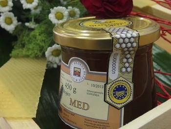 Sortnost medu