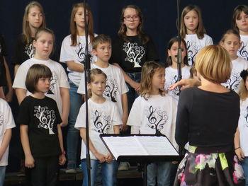 Pomladna ladja - Območna revija otroških in mladinskih pevskih zborov