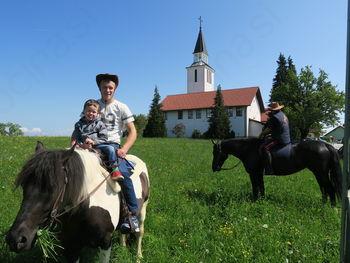 Blagoslov konj v Hinjah
