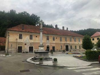 Sanacija strehe Pungartnikove hiše