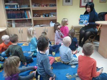 Obisk otrok v Občinski knjižnici Tabor