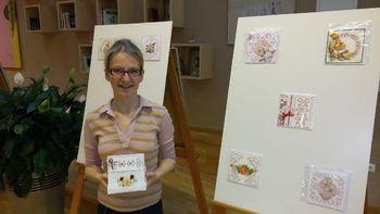 Razstava voščilnic Klementine Slapnik v preboldski knjižnici