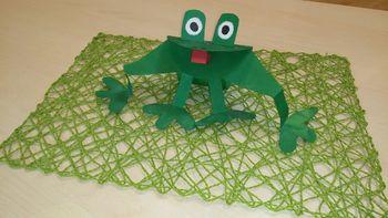 Žabja pravljična ura v Občinski knjižnici Prebold