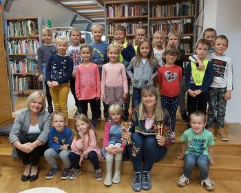 Prvošolci v Občinski knjižnici Polzela