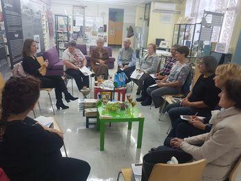 BREZ VOZOVNICE V SVET je naslov nove sezone študijsko bralnih druženj v sodelovanju Medobčinske splošne knjižnice Žalec in UPI Ljudske univerze Žalec