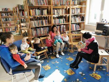 Obisk otrok Vrtca Tabor v Občinski knjižnici Tabor