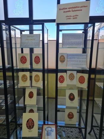 Razstava grafičnih upodobitev pirhov Arpada Šalamona v žalski knjižnici