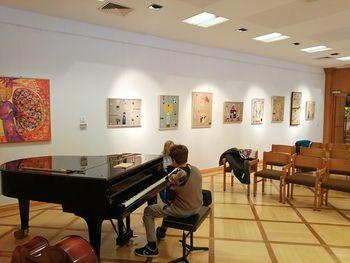 Utrinki sreče - slikarska razstava v Tinjah na avstrijskem Koroškem