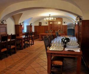 Javni razpis za najem poslovnega prostora na gradu Bogenšperk
