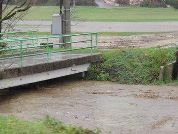 Obvestilo uporabnikom ceste o izgradnji nadomestnega mostu čez Hudinjo v Razdelju–Homec