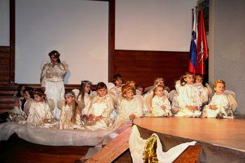 Miklavž obiskal otroke v Šmartnem