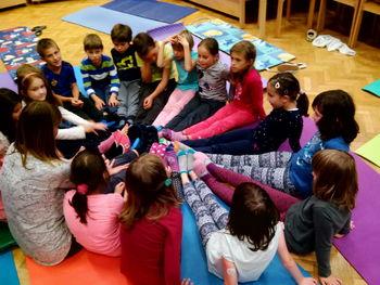 Teden otroka 2016 Pravljična joga za otroke