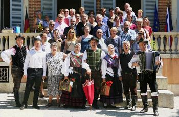 Gostovanje Folklornega društva BLED, DUO NOTA in PZ COMINUM iz Komna v  FRANCIJI