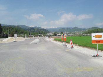 Dela na sevreni razbremenilni cesti gredo h koncu