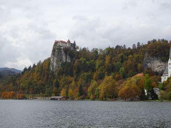 Blejski grad s komaj 16 odstotnim obiskom glede na lansko leto