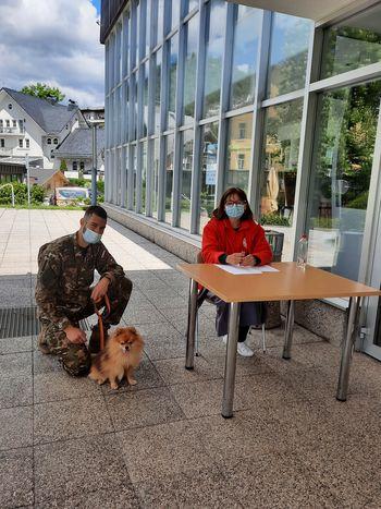 Novo množično cepljenje, aktivno okuženih šest občank in občanov