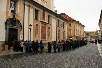 Romarji iz Brda in Zlatega Polja poromali v letu usmiljena v ljubljansko stolnico