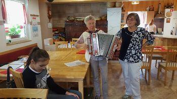 Srečanje starejših v Šmihelu pri Žužemberku