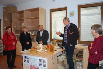 Državna sekretarka  Ministrstva za kmetijstvo Tanja Strniša obiskala Mirno Peč