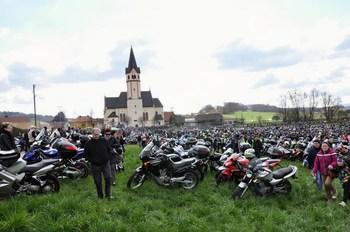 17. aprila vseslovenski blagoslov motorjev in motoristov v Mirni Peči