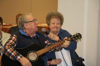 Pevsko druženje z zabavnim programom
