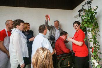 Dvanajst oseb z motnjami v duševnem razvoju živi v novi hiši v Radovljici