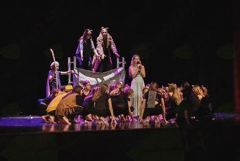 Muzikal Levji kralj – produkcija plesalcev AIA McM