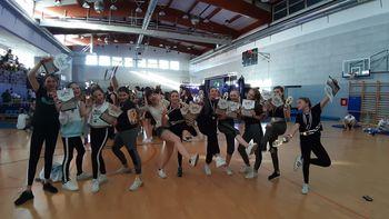 Zaključek plesne sezone plesalk društva AIA z rekordnim številom medalj