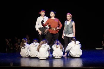 Zaključna produkcija plesalk v duhu Petra Pana