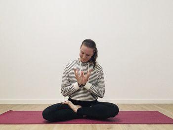 O jogi v AIA – Mladinskem centru Mengeš